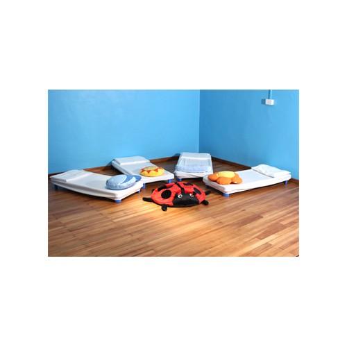 Lettino per scuola materna lettini per asilo nido prezzi for Camera da letto principale con annesso asilo nido
