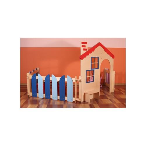 Elemento divisorio casetta per asilo nido for Arredo asili nido