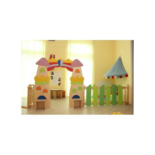 Elemento divisorio il castello per asilo nido for Arredamento asilo nido usato