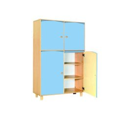 arredo-per-asili-mobile-2-ante-e-2-antine-realizzato-in-legno-nobilitato-color-faggio-chiaro-azzurro