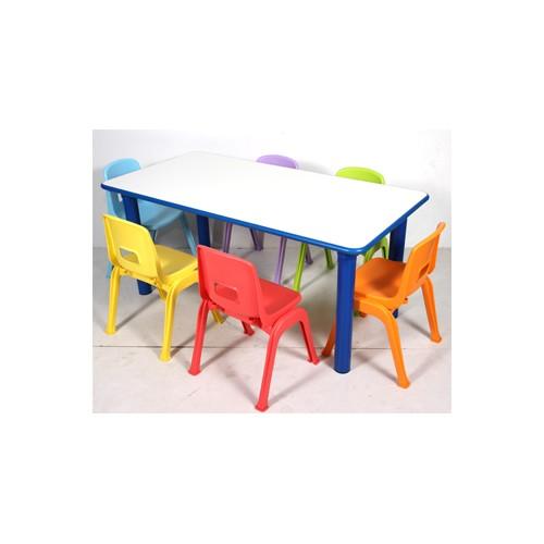 Set tavolo rettangolare 6 sedie colorate per nido for Arredo per asili