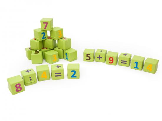 Cubi numeri arredo per asiliarredo per asili for Cubi arredo
