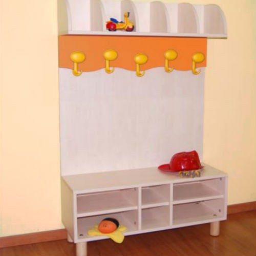 spogliatoio a panchetta in legno per asili e scuole con porta oggetti e porta scarpe