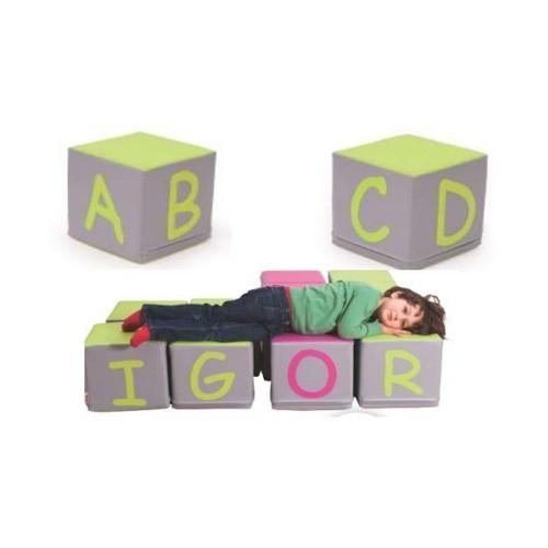 Cuscini lettere cubi per asilo nido maternaarredo for Cubi arredo